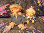 Stofftiere und Puppen