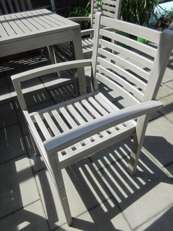 Tchibo Gartenstühle 4x Akazienholz grau stapelbar in Lenningen ...