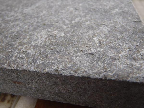 terrassenplatten aus granit 60 x 40 x 3 cm anthrazit grau padang dunkel in extertal sonstiges. Black Bedroom Furniture Sets. Home Design Ideas
