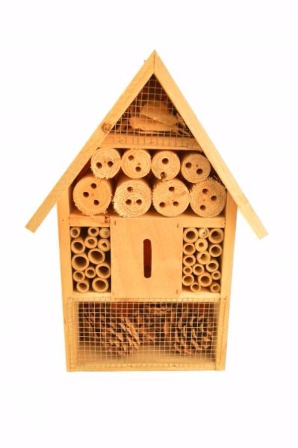 tolles insektenhotel aus tannenholz in hohenems. Black Bedroom Furniture Sets. Home Design Ideas