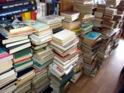 über 1000 Bücher