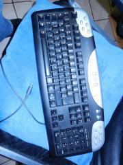 Unitek Tastatur ( MULTIMEDIA )