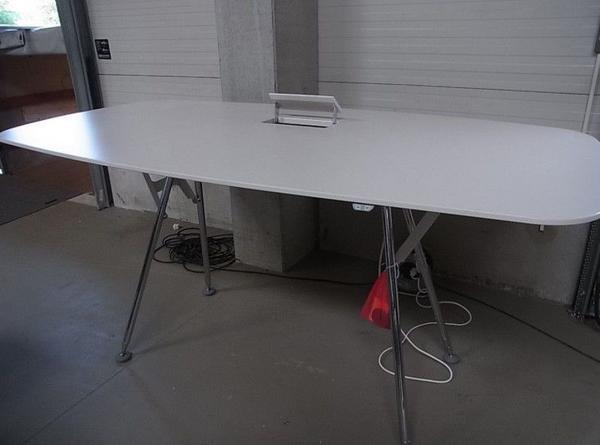 Vitra Tisch ArchiMeda fast wie neu in Bochum - Büromöbel kaufen und ...