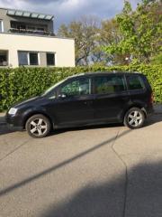 VW Touran 2,