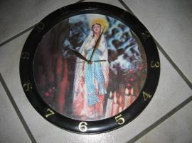 Bild 4 - Wanduhr mit Hologramm Schlafzimmeruhr Maria - Birkenheide Feuerberg