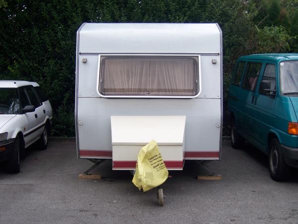 wohnwagen b rstner flipper lux 450 mit vorzelt in bregenz. Black Bedroom Furniture Sets. Home Design Ideas